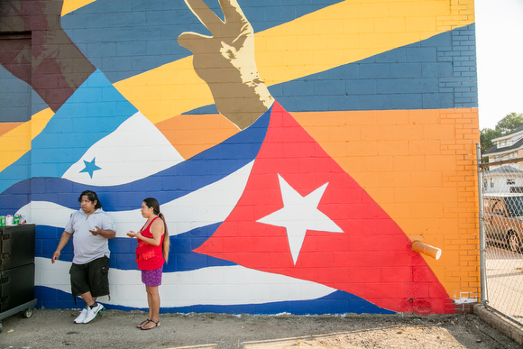 Students mural celebrates Latino community, diversity and unity